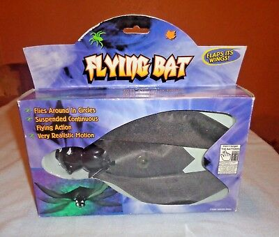"""Rite Aid Corp- Flying Bat #25136- Battery Operated Realistic Motion 7"""" Body- NIB"""