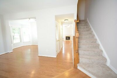 Must See! Beautifully Renovated 3br/2.5br Townhouse