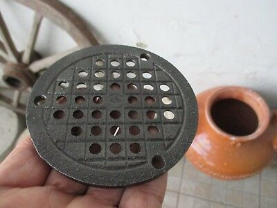Antique Cast Iron Floor / Wall Old Pipe Flue Cover Thick Grate Ventilator 4""