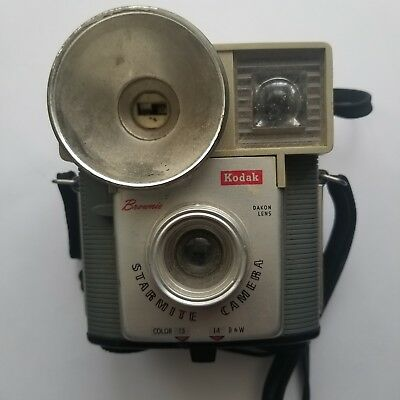 Vintage Kodak Brownie Starmite Dakon Lens Camera HP119