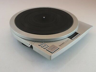 Technics SP-15 Quartz Direct Drive Turntable - Vintage  RARE