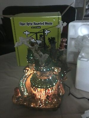 PULEO CO HALLOWEEN FIBER OPTIC LIGHTED HAUNTED HOUSE Flying Ghosts PUMPKINS
