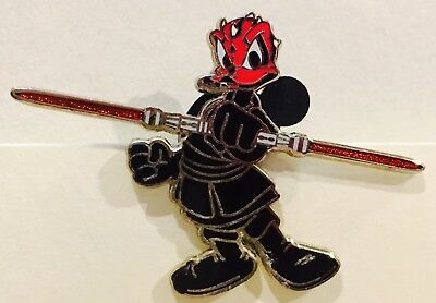 Disney Pin STAR WARS DONALD DUCK AS DARTH MAUL WITH LIGHTSABER