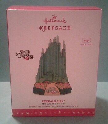 Hallmark Keepsake Christmas  Ornament 2016 EMERALD CITY Wizard of Oz Light Sound