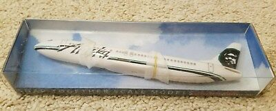 Alaska Airlines Boeing 737-400 PPC Plastic Snap Fit Model 1:200 Scale