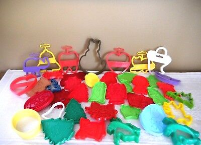 Lot Of 41 Vtg Plastic Cookie Cutters Xmas Cats Halloween + Wilton Hong Kong Usa