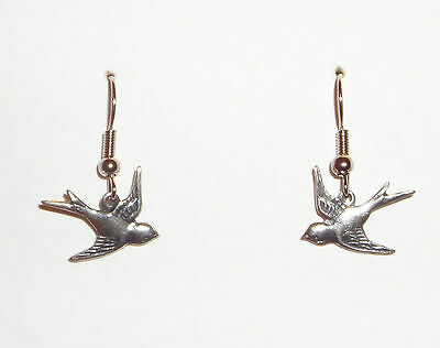 Lovely Quality Pretty Little Bird Dark Silver Plated Earrings With Hook