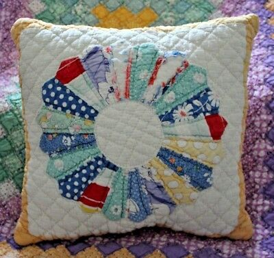 Throw Pillow Made With Vintage Dresden Plate Patchwork Applique Quilt Tablecloth
