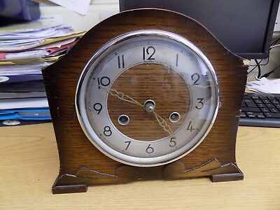 Perivale Vintage British Mantle Clock - Art Deco - with key