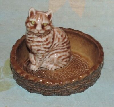 Vintage Wade Pottery Cat in Basket Ring Dish Figurine England