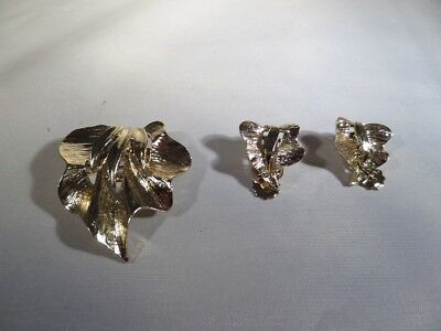 Vintage Gold Tone Leaf Brooch and Clip Earrings M1