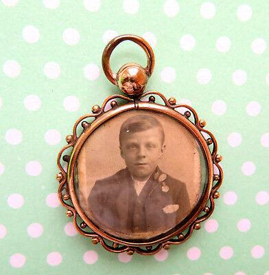 Antique Pretty Gold Plated Ddomed Glass Sided Memento /photo Locket.