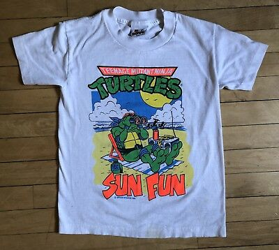 Vintage 1990 90s Teenage Mutant Ninja Turtles T-Shirt Sun Fun Youth Medium USA