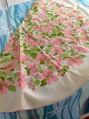 Vintage 1970's pink floral tablecloth 60 in. Round +4 napkins