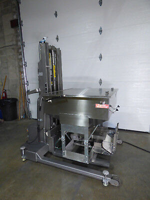 Lift Truck With Hopper Vibratory Feeder Sifter