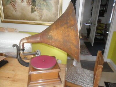 All original working  tin horn Pathe Gramophone Phonograph with stylus & record