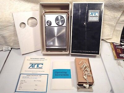 Vtg. AITC International Transistor Corp Solid State AM Radio Model L2110 w/box