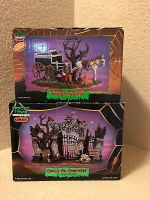 Lemax Spooky Town Halloween Cemetery Gate & Gruesome Grave Digger SET 2