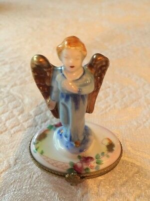 LIMOGES France - Angel with Golden Wings - TRINKET BOX - Peint Main