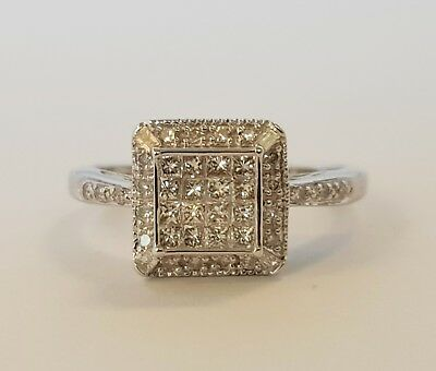 """9CT DIAMOND SQUARE CLUSTER RING VALUED $1469  """" SIZE M """" TDW 40pts Stunning Ring"""