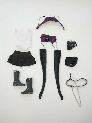 Momoko Pure Violet outfit in good condition doll not included.
