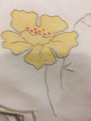 6 Vntg Marghab Madeira Yellow Flower Appliqué Napkins Beautiful Hand Embroider