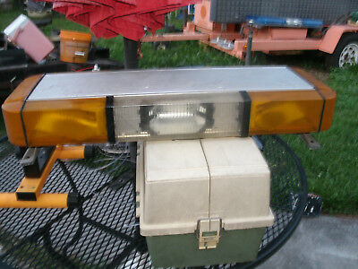 Whelen Mini Amber Light Edge 9000 Lightbar