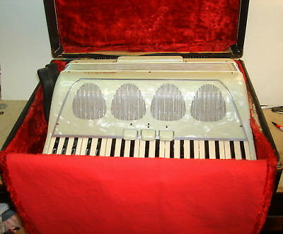 Galanti Accordion 41 Key 126 Bass W/ Orig Case Tight Bellows Made in Italy