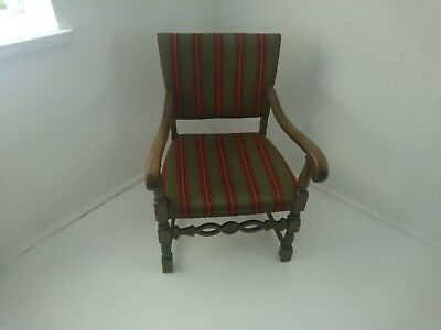 chair vintage,old fashioned wooden
