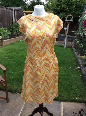 GENUINE VINTAGE 60s Early 70s RETRO MOD DRESS FANTASTIC PATTERN FABRIC Approx 12
