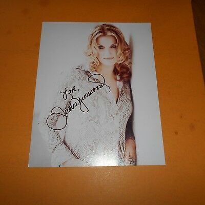Trisha Yearwood is an American country music singer  Hand Signed Photo