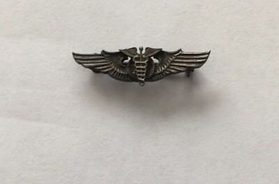WW II Vintage 1 inch Pinback Gold Colored USAAF Flight Surgeon Wings