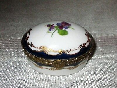 Limoges Porcelain Violet Flower and Gold Leaf Trinket Pill Snuff Box
