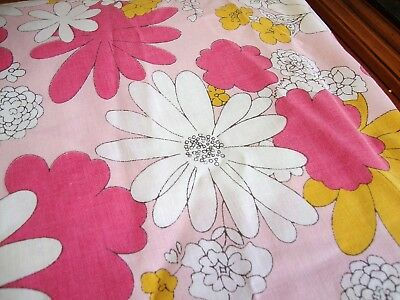 Vintage Twin Fitted Sheet by Cannon 1960's Flower Power!