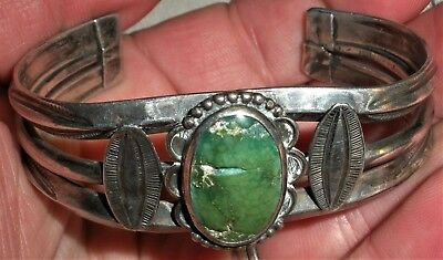 ANTIQUE c. 1930 NAVAJO COIN SILVER TURQUOISE BRACELET CARINATED EARLY STAMP vafo