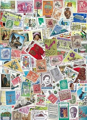 Worldwide 100 Different Stamps - many Countries, Many MNH - A.............D-8813