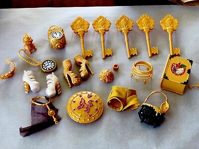 MONSTER HIGH DOLL AND EVER AFTER HIGH DOLL ACCESSORY LOT Gold