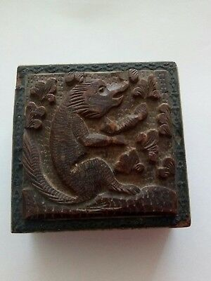 Antique Carved Lid Small Box With Squirrel And Acorn Detail