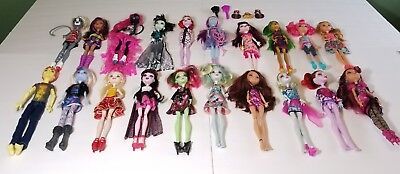 HUGE Lot of 20 Mattel Monster High Dolls and Monster High Ever After- some rare