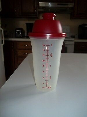 Vintage Tupperware 16 Oz Red Lid Sheer Quick-Shake Gravy Shaker w/Red Letter 844