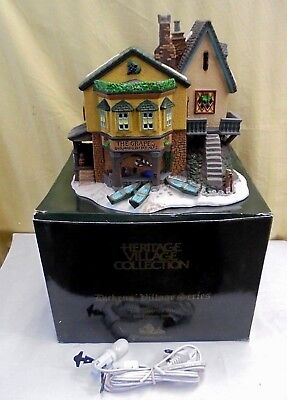 NEW 1996 THE GRAPES INN  #57534 Dickens Heritage Villiage DEPT 56