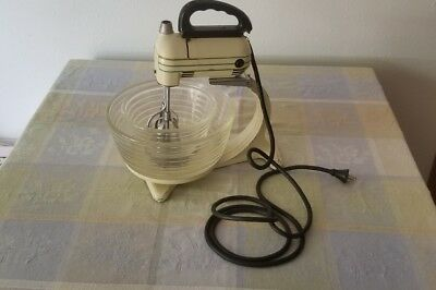 Vintage GE Hotpoint Double Beaters  Stand Mixer & 2 Bowls