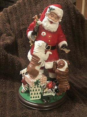 Danbury Mint Santa With English Bulldogs