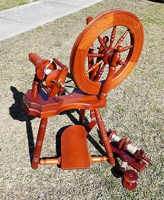 Spinning Wheel Double Drive with Orifice Hook