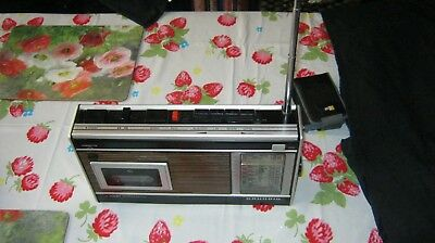 GRUNDIG C2001 Automatic radio cassette from the 70's Nice condition as photos