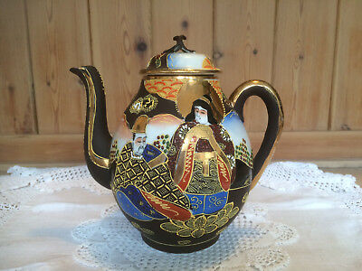 Japanese hand painted, Satsuma 2 pint teapot