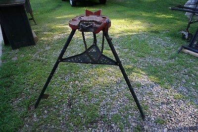 """RIDGID Model 460-6 Portable Tristand Chain Vise 1/8"""" to 6"""" Pipe Vise"""