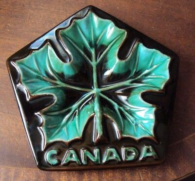 """Vintage Blue Mountain Pottery Canada Maple Leaf Dish. 8 1/2""""."""