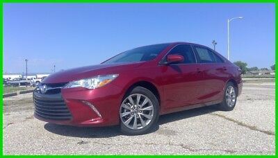 Toyota Camry XLE 2017 Toyota Camry XLE Used 2.5L I4 Local Trade in Heated Seats