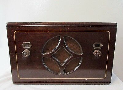 Antique Wooden Cabinet American Bosch Tube Radio 5A